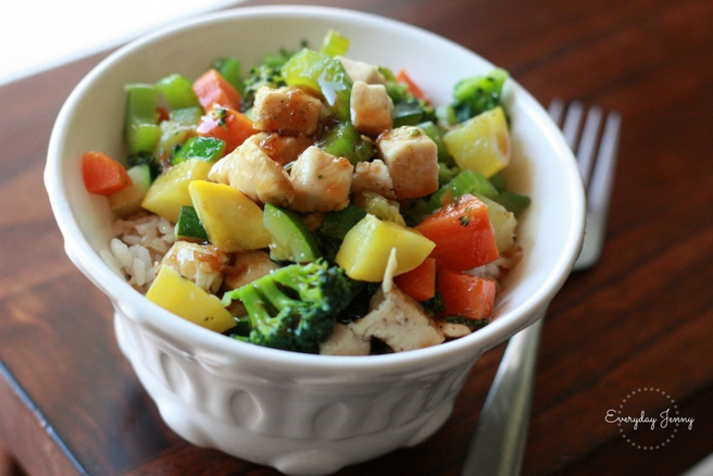 Easy chicken teriyaki bowls. Use up your summer squash and zucchini in this quick family friendly meal. Recipe at everydayjenny.com
