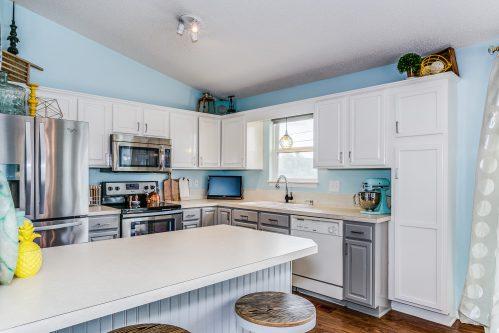 4314 N Dellrose Cir Wichita KS-print-011-4-Kitchen-2500x1667-300dpi