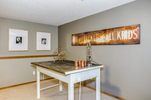 4314 N Dellrose Cir Wichita KS-print-023-30-Family Room-2500x1667-300dpi