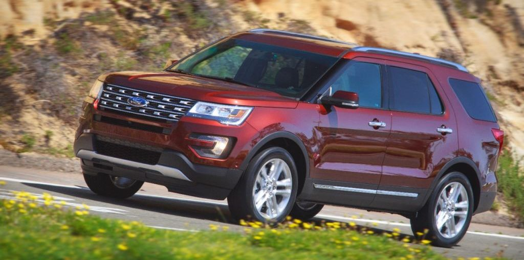 2016 Ford Explorer Platinum 4WD First Look on Everyman Driver with Dave Erickson