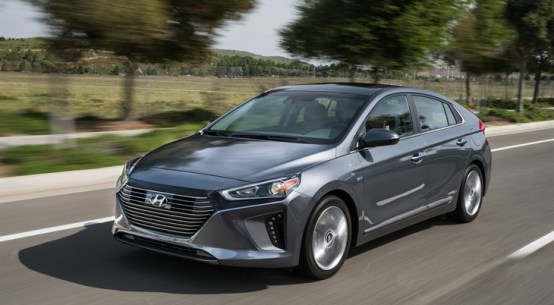 2017 Hyundai Ioniq Hybrid BLUE Drive and Review on Everyman Driver with Dave Erickson
