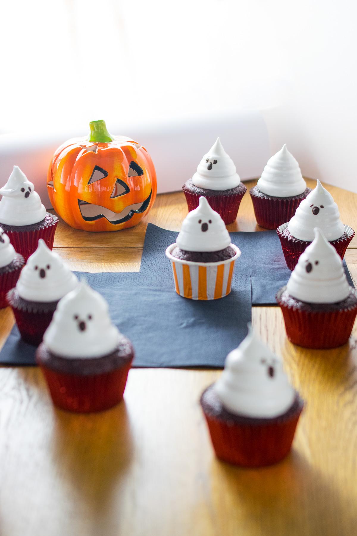 Red Velvet Boo Cakes