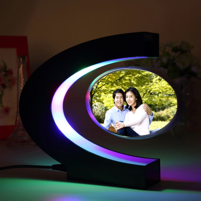 c magnetic picture frame