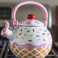 Strawberry Cupcake Whistling Kettle