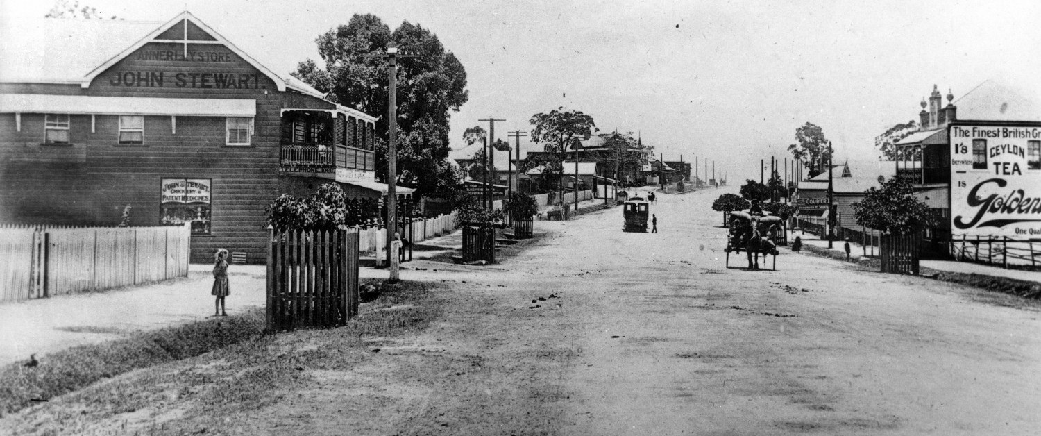 Ipswich Road Annerley around 1910 looking north from Clive Street.