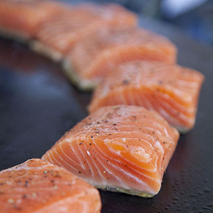 Evo Recipe Grilled Salmon Sliders With Chipotle Mayo