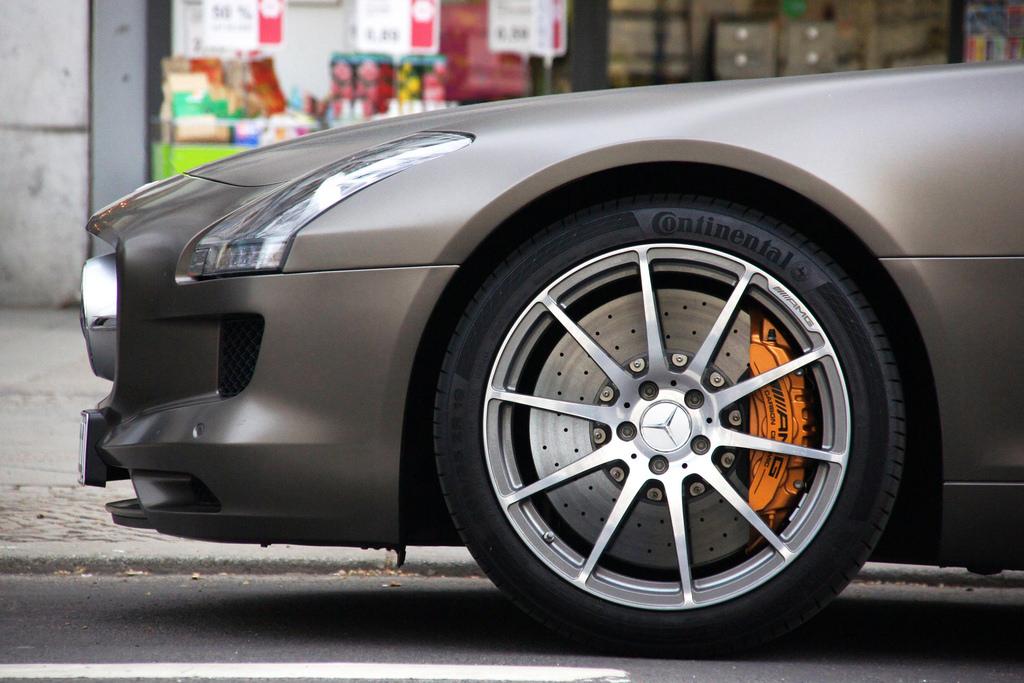 sls amg carbon ceramic brakes