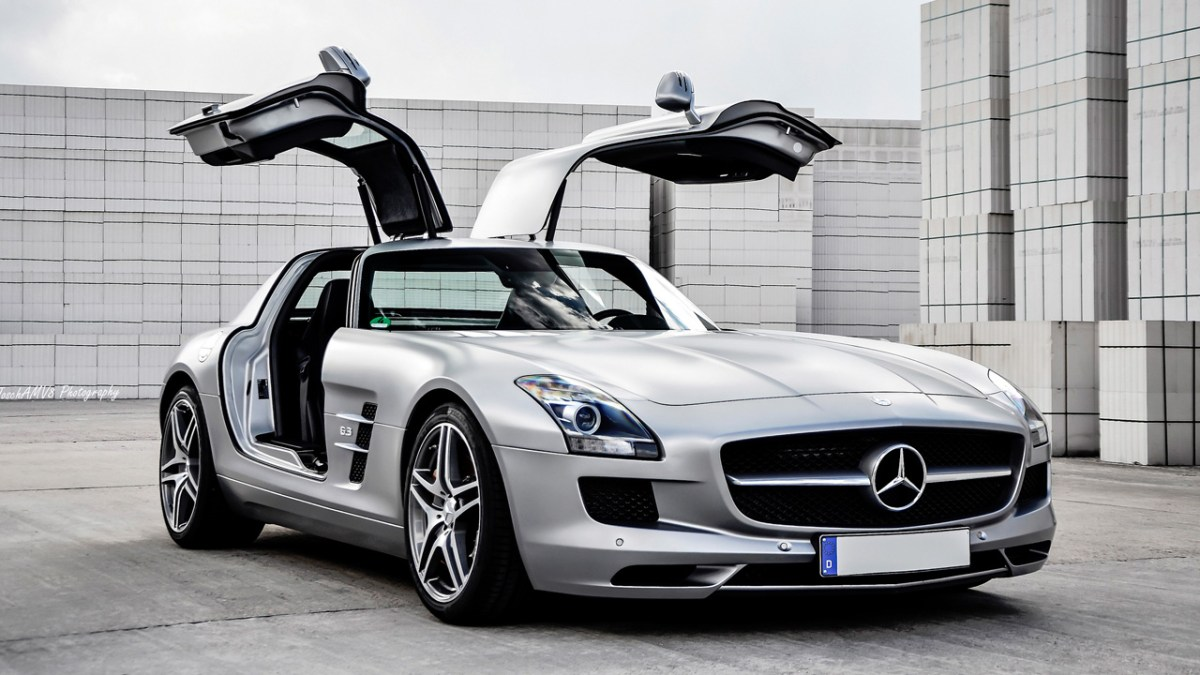 mercedes benz sls amg buyers guide and review exotic car hacks. Black Bedroom Furniture Sets. Home Design Ideas