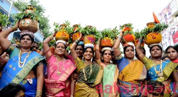 Bonalu Jathara Festival Hyderabad-exploretelangana