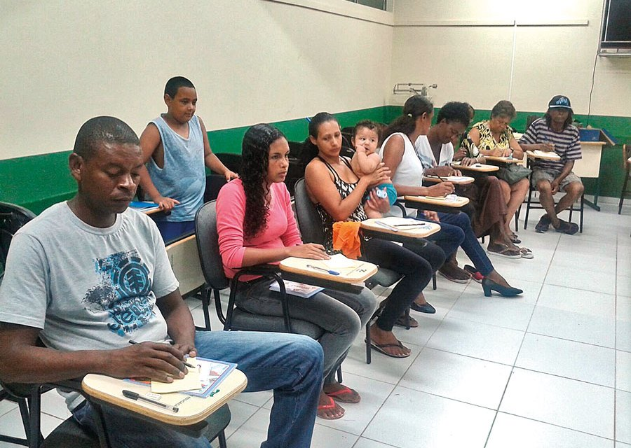 Igreja Metodista realiza Educação de Jovens e Adultos