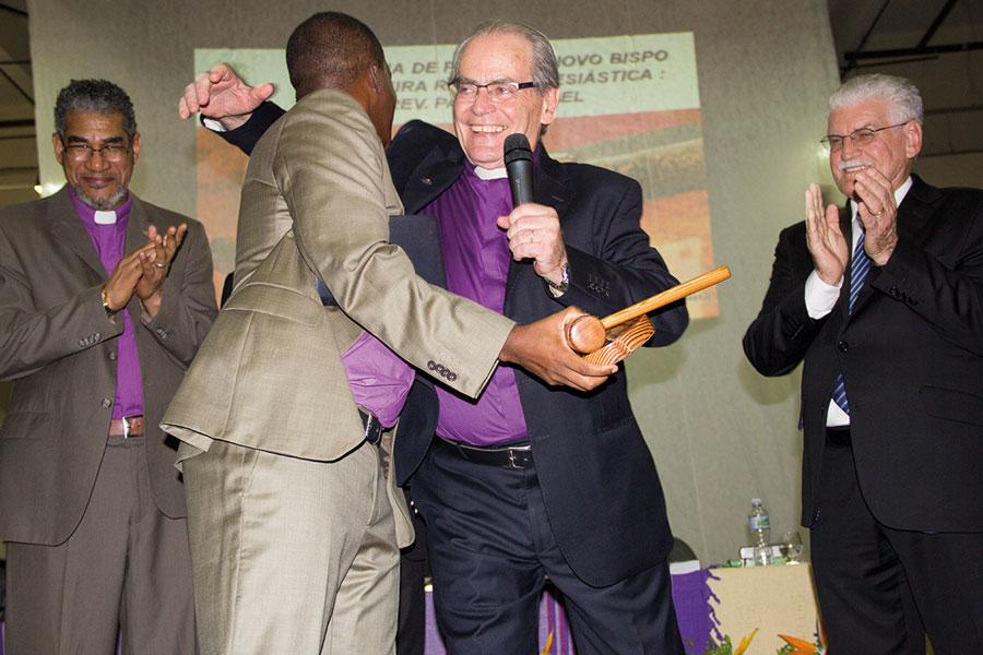 Colégio Episcopal consagra Bispos e Bispa para o próximo quinquênio