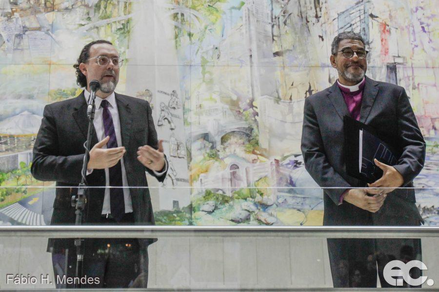 Álbum de fotos completo da Sessão Solene em celebração aos 150 anos de metodismo permanente no Brasil