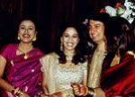 Madhuri Dixit and Shriram Nene at their wedding (8)