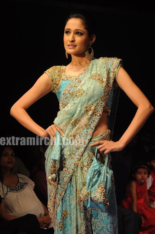 Fashion-models-at-Hyderabd-Fashion-Week.jpg