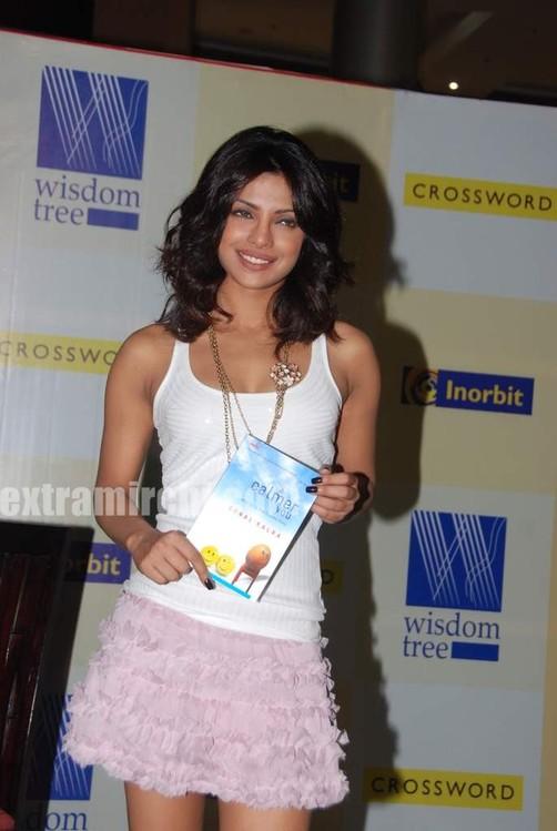 Priyanka-Chopra-launches-Sonal-Kalras-a-calmer-you.jpg