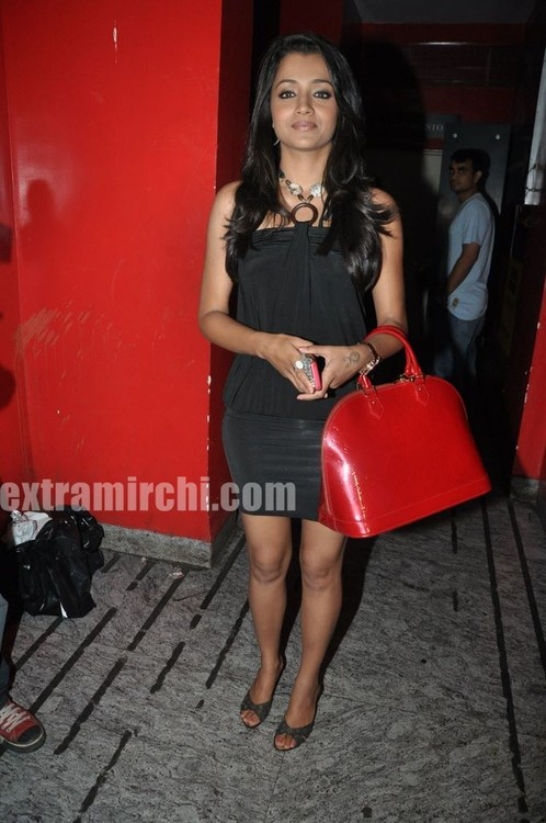 Trisha-at-Special-Screening-of-Khatta-Meetha-3.jpg