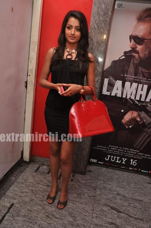 Trisha-at-Special-Screening-of-Khatta-Meetha-8.jpg