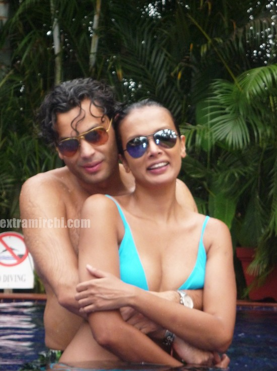 Viveka-Babajee-with-Gautam-Vora-picture-2.jpg