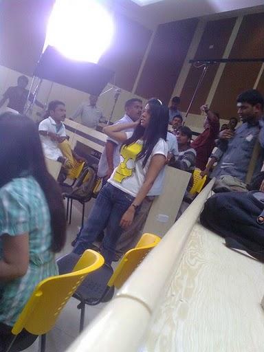 Asin-at-tamil-movie-Kaavalan-Shooting-Spot.jpg