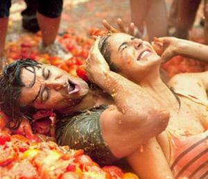Katrina-Kaif-and-Hrithik-Roshan-La-Tomatina.jpg