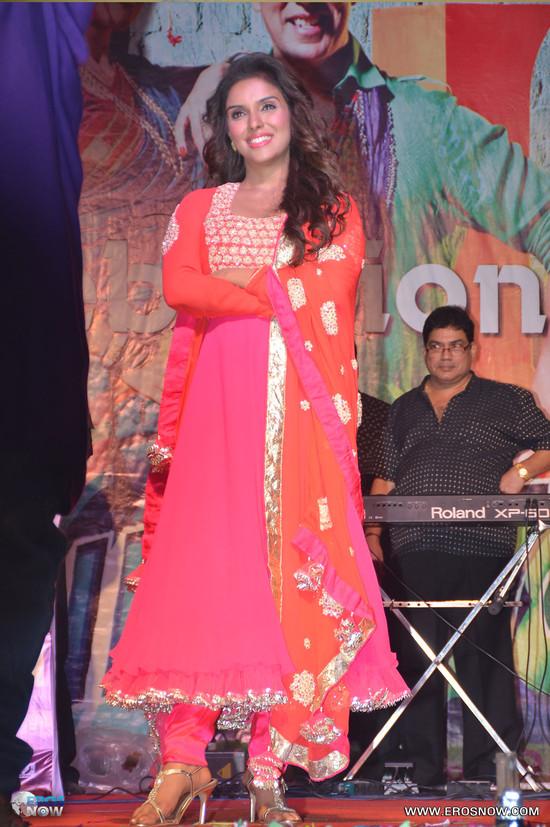 Asin-in-Khiladi-786_event-3.jpg