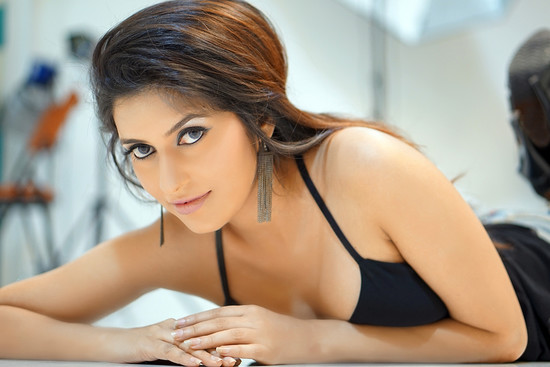 actress-anchal-singh-photos-1.jpg