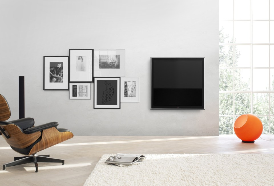 Bang Olufsen BeoVision 10 32 inch LCD TV 5 20 Beautiful Entertainment Room Ideas