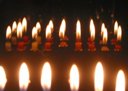 Hanukkah_candles_TheMulticulturalJew-Blog
