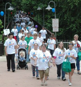Participants begin the walk for Every Step Counts 2013 (Courtesy Photo)