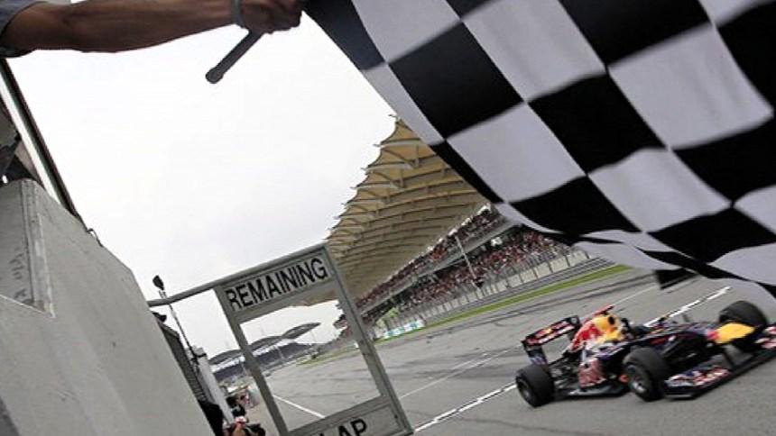 vettel_malaysia2011_flag-1680x720