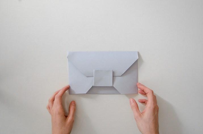 diy-origami-envelope-paper-revista-clutch-bolso-de-mano