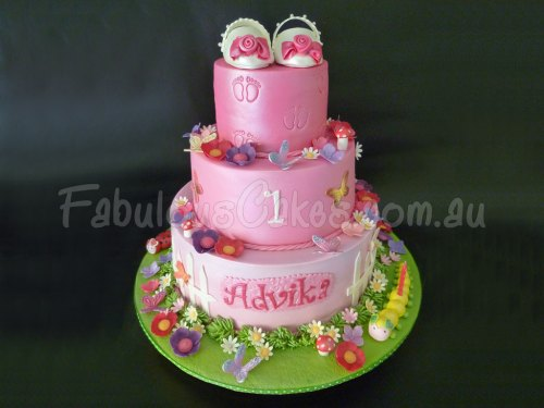 baby-shoes-pink-cake