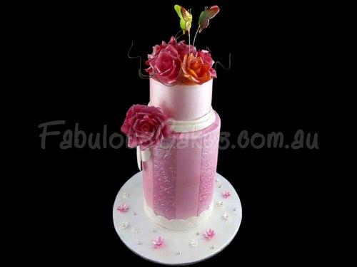 ultra-modern-wedding-cake