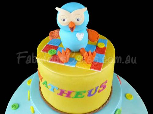 Hoot Naming Day Cake