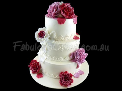 Red Roses Wedding Cake