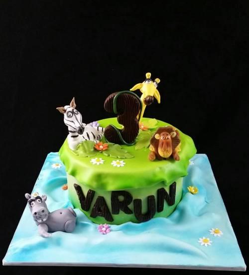 Madagascar theme cake