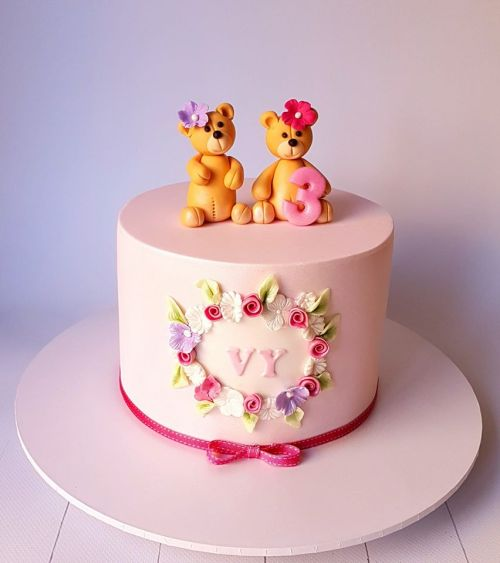Cute Teddy Bear Cake