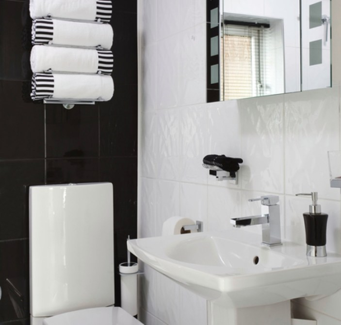 Simple bathrooms with cool designs for Monochromatic bathroom designs