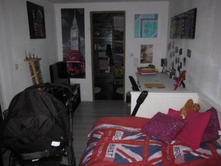 r novation grenoble d couvrez un garage transform en chambre pour enfant facilis travaux. Black Bedroom Furniture Sets. Home Design Ideas