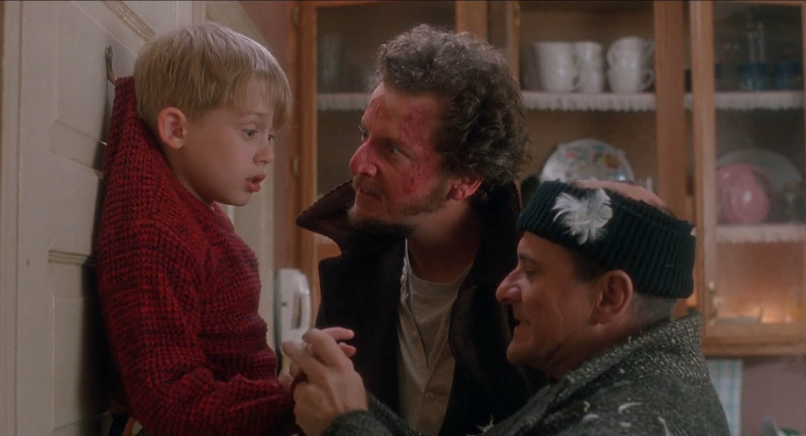 Impeccable Home Alone Facts Classic Facts About Home Home Alone 2 Cast Bird Lady Home Alone 2 Cast Kevin curbed Home Alone 2 Cast