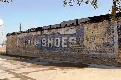 Selz Royal Blue Shoes, Texas, Hillsboro  © E. Leatherberry - Flickr