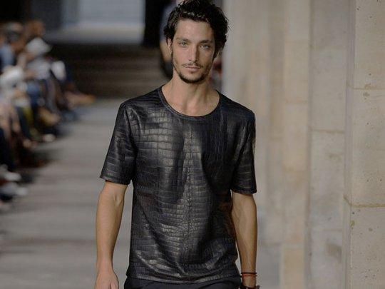 hermes-crocodile-leather-900000-tshirt-1