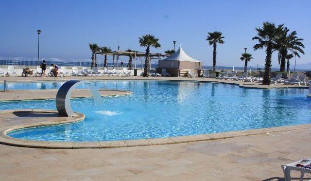 korsika-marina-derba-rossa-beitragsbild-pool