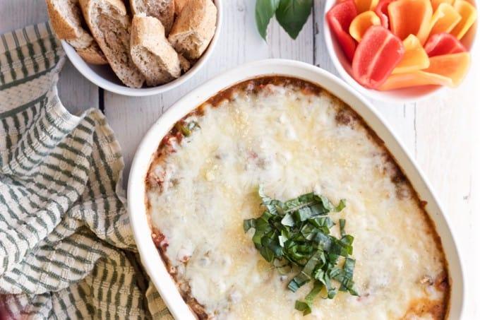 Veggie-loaded pizza dip