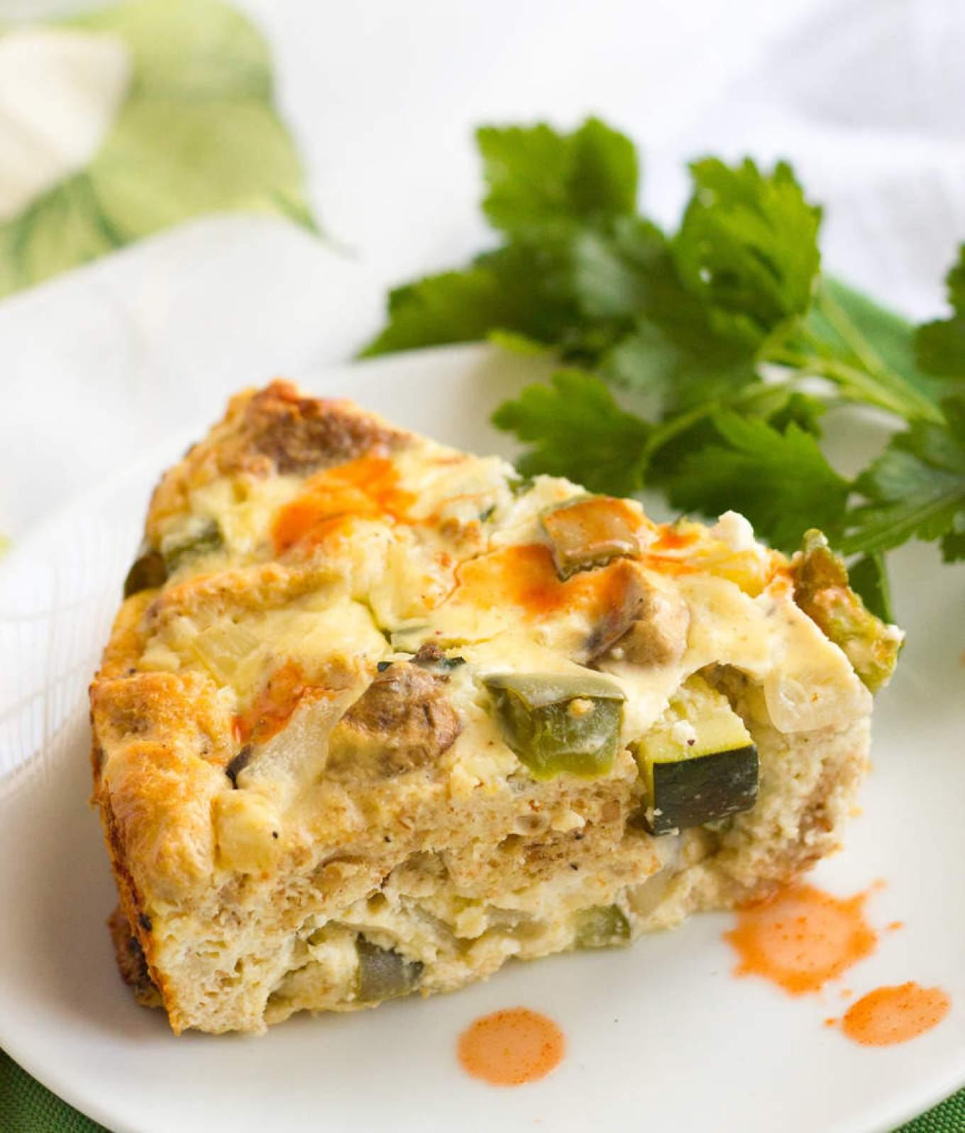 A super easy oven-baked vegetable frittata that's perfect for breakfast, brunch or even a light dinner! | FamilyFoodontheTable.com