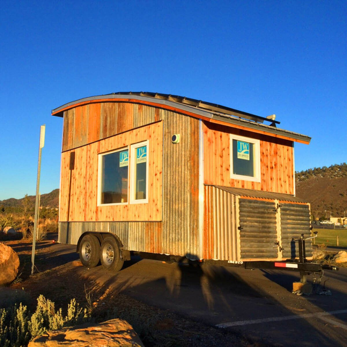 Radiant Recycled Materials Family Tiny Mountain Houses Reviews Rocky Mountain Tiny Houses Rocky Mountain Tiny Homes Tiny Homes Built curbed Tiny Mountain Houses