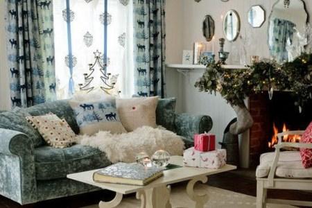 elegant christmas country living room decor ideas 14