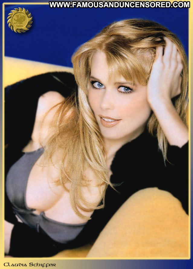 Claudia Schiffer No Source Showing Tits Famous Blonde Tits