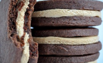 Chocolate Sandwich Cookies with Peanut Butter Fudge 2