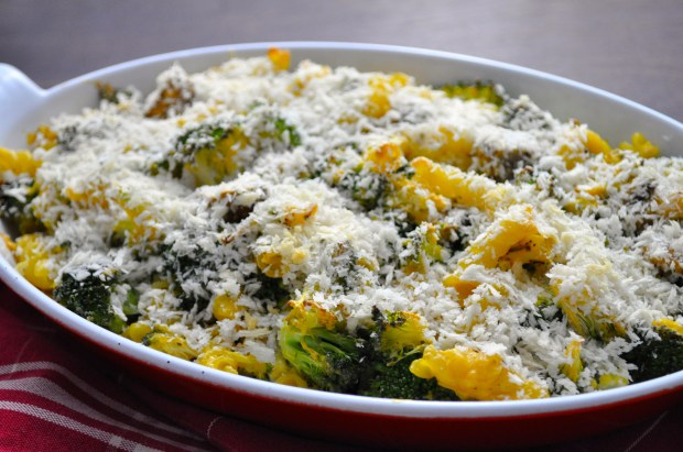 Veggie Mac & Cheese Gratin via farmgirlgourmet.com